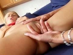 Milf terrorizes little and cute babe